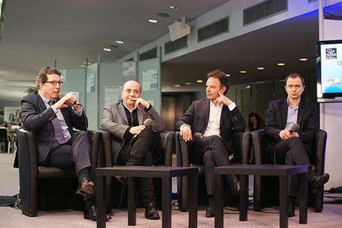 La conférence sur les quatre chaînes d'information était le grand débat du jour des Assises du Journalisme. (Crédit photo: Paul Véronique)