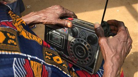 En Afrique, les zones reculées face au défi de l'information